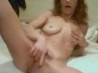 Redhair Milf mastrubating
