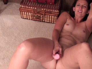 Dabbler milf with heavy ass makes yourselves cum