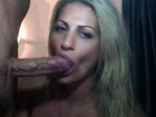 Beautiful Comme �a MILF Deep Throating