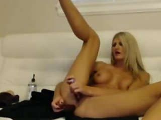 Beautiful Kirmess Dildoing Pussy & Botheration DP