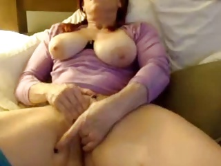 Shy Milf rubs and fingers pussy curry favour with cum