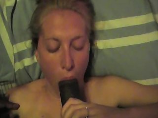 Amateur Bitch spotlight to suck a BBC