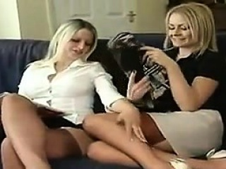 Blonde Chicks With Great Hands